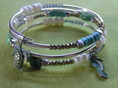 Memory Wire Beaded Bracelet with Turquoise