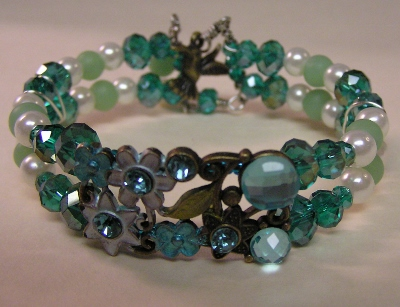 """Flower-Time"" Green Bead Bracelet"